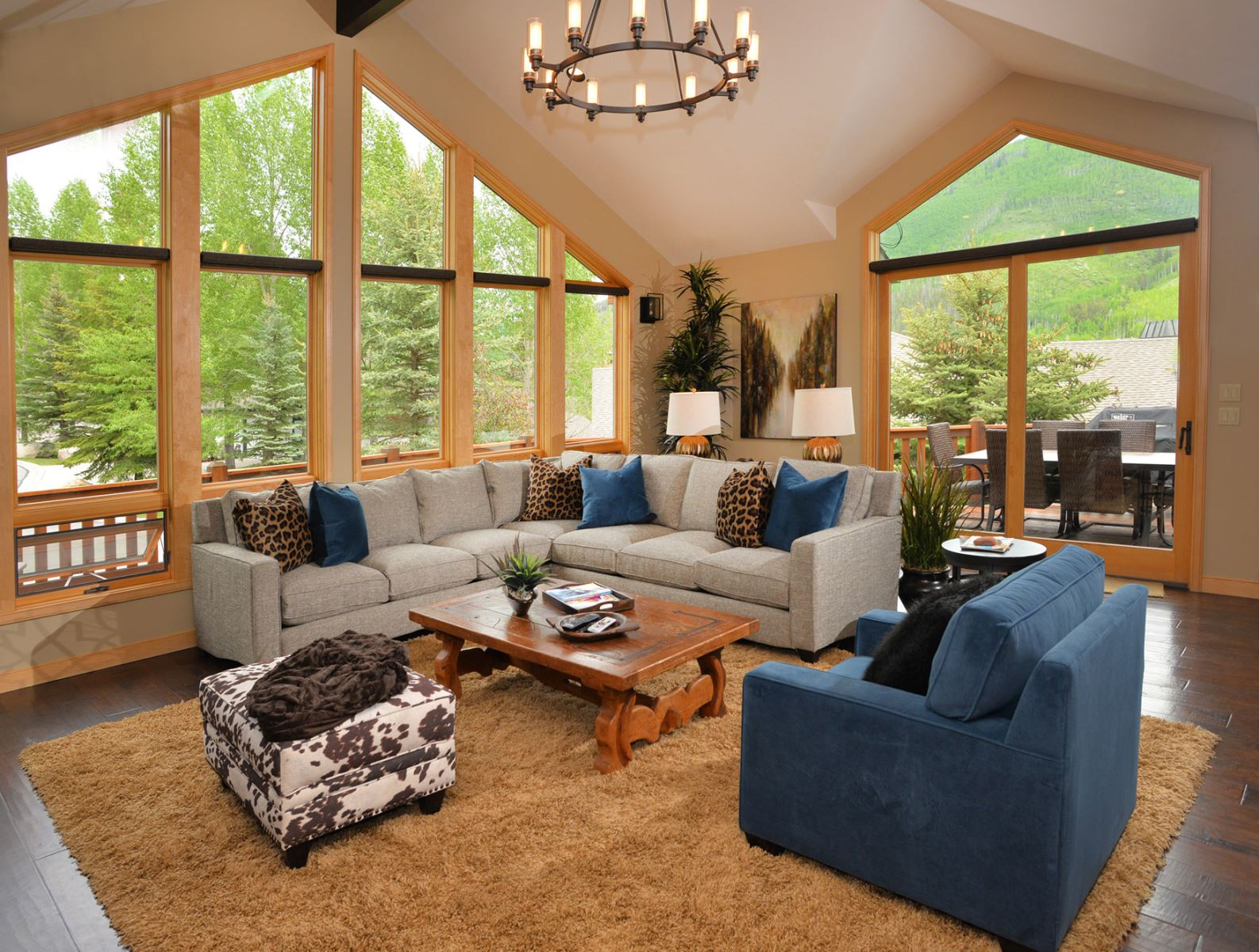 Experience a beautiful vail valley vacation rental - living room with mountain view